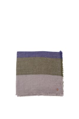 Fluffy, striped woven scarf